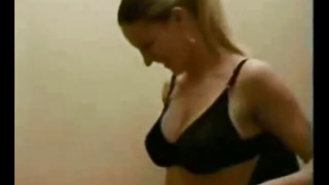 Mofos - Essayons l'anal - film porno arabe 18 ans Première baise anale avec Ebony Angels