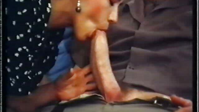 Une voyeuse britannique glamour dit à son sous-marin de porno arab grosse fesse tirer