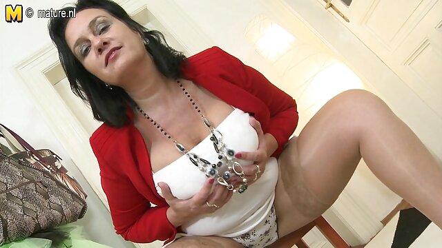 Forage de la jolie adolescente Evelyn porno college arab Valkova