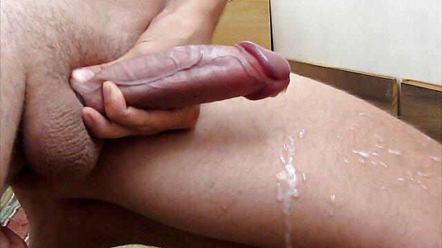 Wifey Pegs Le cul de mon mari avec video porno amateur arab un gros gode