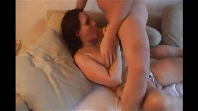 Beauté rousse buvant sex video arab porno du sperme