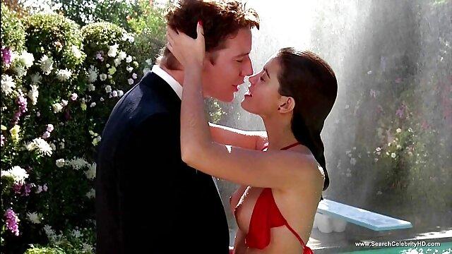 La grosse star filmpornoarabe du porno Becki Butterfly baisée durement