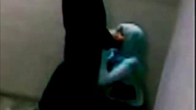 Kayla porno arab grosse fesse danse